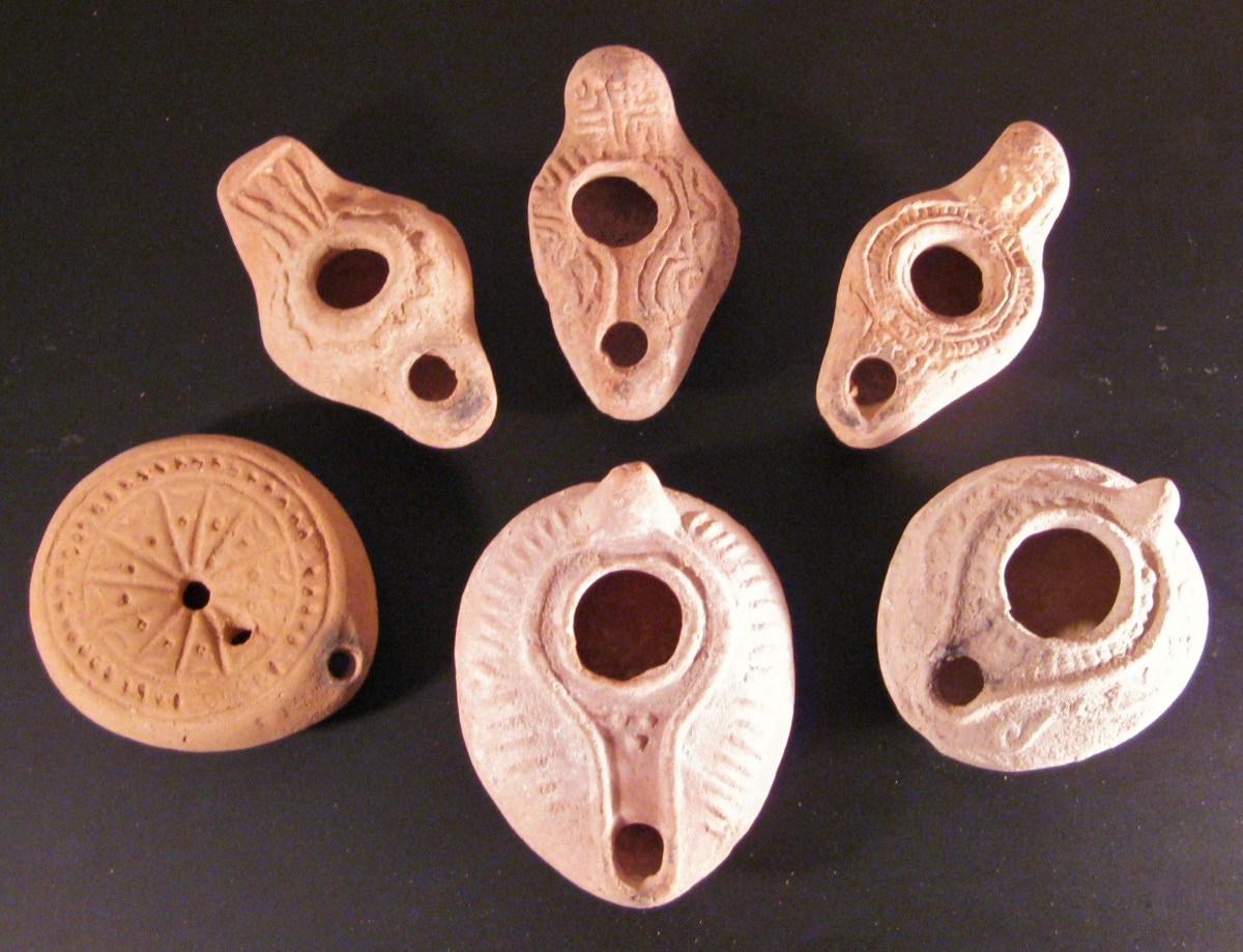 Byzantine Pottery Oil Lamps from the Levant
