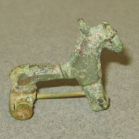 Roman Bronze Brooches Revisited: Zoomorphic Types
