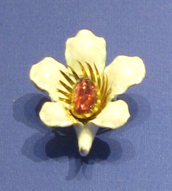Medieval art, Medieval enamel brooch, British Museum