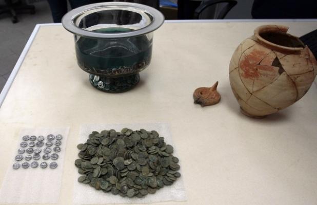 Roman Coins. Roman antiquities, ancient Rome