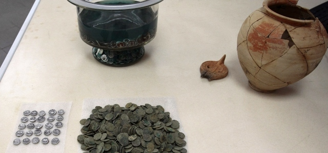Roman Coins. Roman antiquities, ancient Rome